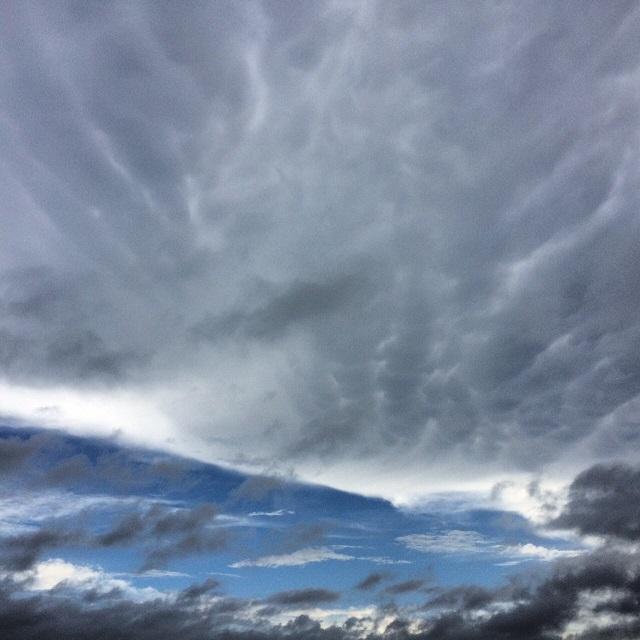 乳房雲の前兆