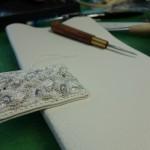 ビーズ刺繍のフラップ